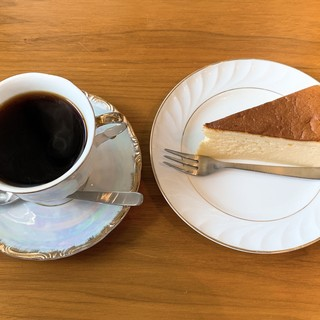 長坂さん家のおやつ - 料理写真:コーヒーとスフレチーズ