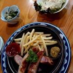大衆酒蔵 日本海 - 安定の『ポテトサラダ』・ソーセージの鉄板焼