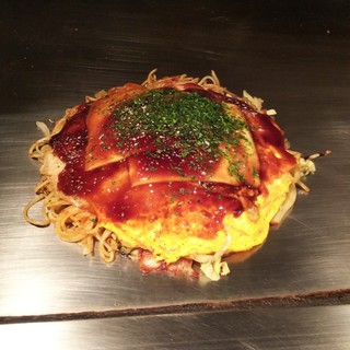 かんちゃんお好み鉄板焼 - 料理写真:肉玉そば+チーズ(780円)