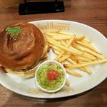 Island Burgers - ベーコンエッグチーズバーガー全景