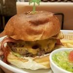 Island Burgers - バンズはフカッ、カリッ!