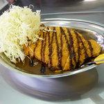 カレーのチャンピオン - 料理写真:看板メニューのLカツカレー!ボリューム満点!!