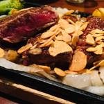 HADOWS - 料理写真:厚切りロースステーキ