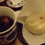 10883813 - ★阿馬肉まんと中国茶のセット★