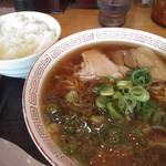 熱烈タンタン麺一番亭 - 料理写真:醤油ラーメン。550円(税抜き)ランチタイムはライスサービス(^^)v