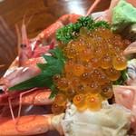 傳兵 - 傳兵(でんべい)(新潟県糸魚川市南押上)名物!漁師海鮮丼華