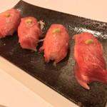 108839319 - BATTRY(バッテリー)(東京都大田区西蒲田)黒毛和牛の肉寿司 2ヶ 500円