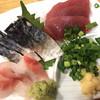 立ち飲み大松 - 料理写真:お任せ3点刺身盛り¥580(しめ鯖、黒鯛、鰹)