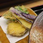 斎藤うどん店 - サービスの天ぷらです