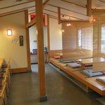 斎藤うどん店 - とても雰囲気の良い内観です