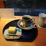 10885611 - 珈琲とお菓子のセット 700円