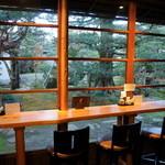 10885679 - 喫茶室のカウンター