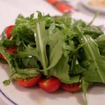 108851584 - ルーコラとトマトのサラダ