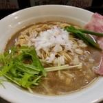 煮干し豚骨らーめん専門店 六郷 - 濃厚煮干し豚骨ラーメン 780円