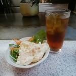 広島お好み焼き・鉄板焼き しょうちゃん - ポテサラ、ウーロン茶