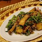 蓮香 - エビと菜心のエシャロット醤炒め