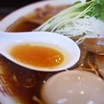 中華そば しば田 - 鶏油たっぷり