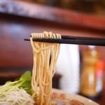 中華そば しば田 - 全粒粉の細麺