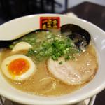 四代目 本田平次郎商店 - 久留米豚骨ラーメンもかなりオススメです。