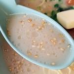山岡家 - スープ