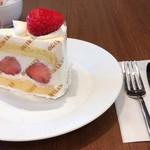 巴裡 小川軒 サロン・ド・テ - 苺のショートケーキ