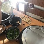 エーデルワイス - カレー、味噌汁コーナー