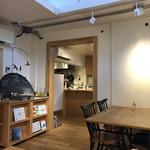 コンマ コーヒー - 店内
