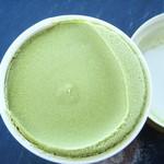 新生酪農千葉工場アイスクリームショップ - 緑茶アイス!