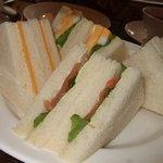 セントクリストファー ガーデン - 予約限定ランチの「プレミアムアフタヌーンティーセット」サンドイッチ