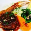 ゆうき亭 - 料理写真:ハンバーグ(100g)とえびフライ