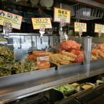 名代 富士そば - 美味しそうな揚げ物がズラリ