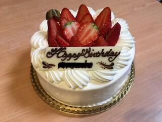 パティスリー アヴァロン - イチゴショートケーキの15cm、3300円です