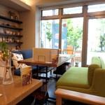 ネオ ガーデン カフェ - 店内の一部