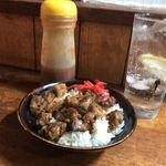 福田フライ - 牛丼と辛いタレ