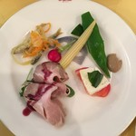 ラ・ベットラ・ペル・トゥッティ - ランチコースCの前菜4種盛り合わせ