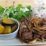 タケル カフェ - 牛肉スタミナプレート