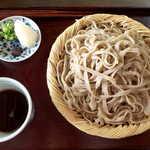 梅庵 - 行者そば(大盛¥1500)。蕎麦つゆ・大根おろし・焼き味噌・刻みねぎが添えられる