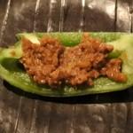 肴や だんじ - パリパリピーマン肉味噌