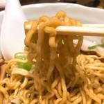 珍来亭 - 油ラーメン麺リフト