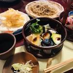 昭八 - お蕎麦と天ぷらで一式です。