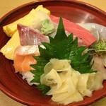 すし・海鮮玉寿司 - 日替り海鮮丼