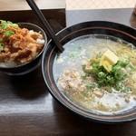 楽 - 鶏そバター+皮カリカリ丼