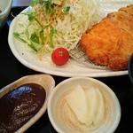 笠庵 賛否両論 - 料理写真:豚かつ定食