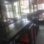 西村屋 - 店内テーブル席