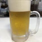 108957212 - まずは 生ビールで乾杯!