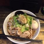 炭火焼き鳥 楽 - 楽二郎900円太麺、ニンニク増し (太麺か細麺が選べます)