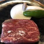 フレンチブルドッグ - ステーキ肉