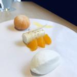 かしや - 真っ白なお皿に眩しいビタミンカラー♡オレンジは優しさと元気をくれる色ヽ(´▽`)/
