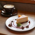 108965532 - カフェラテ&自家製チーズケーキ☆