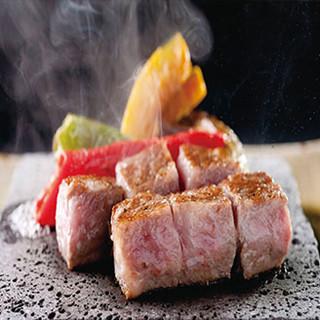 旬の鮮魚に野菜、厳選の肉。素材を活かす調理法でお届け!